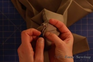 step 1 unpick existing hem.001